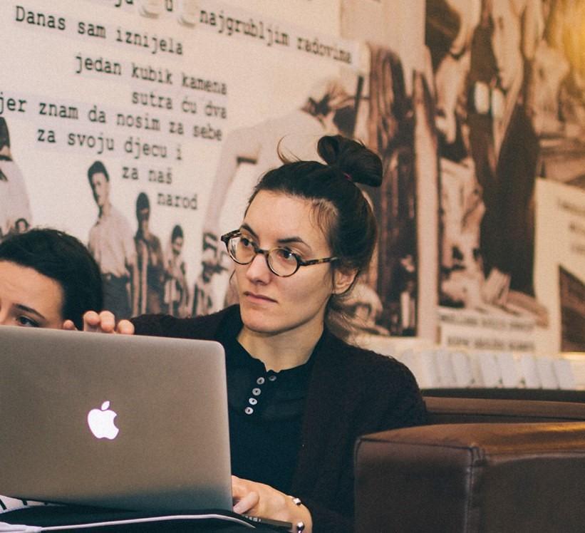 Јана Старделова